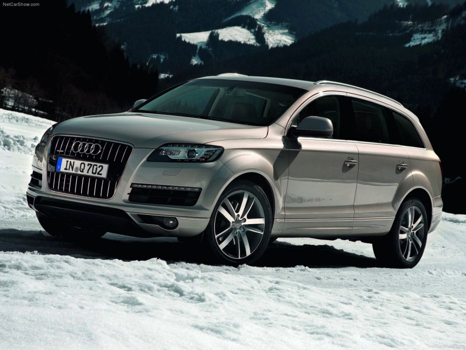 Audi Q7 2011 wallpaper