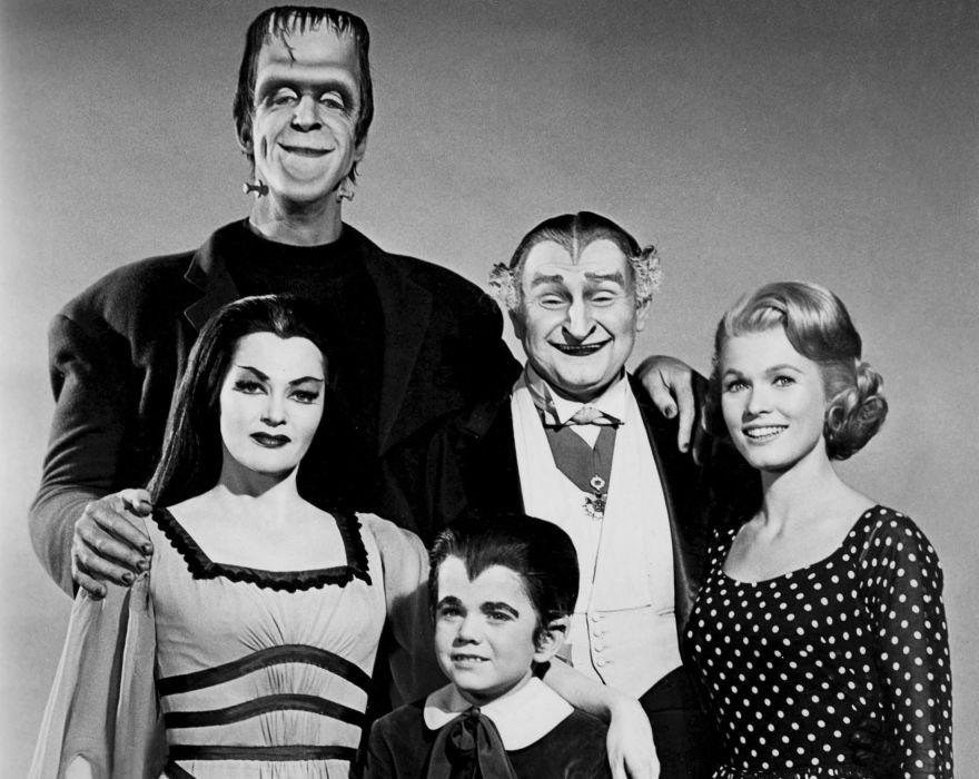 THE-MUNSTERS comedy dark frankenstein munsters halloween television (24) wallpaper