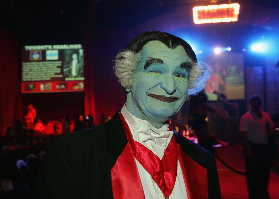THE-MUNSTERS comedy dark frankenstein munsters halloween television (39) wallpaper