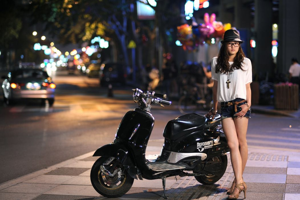 Honda scooter scooters asian hat sunglasses shorts wallpaper