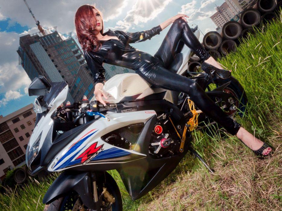 suzuki motorcycle asian coveralls latex wallpaper