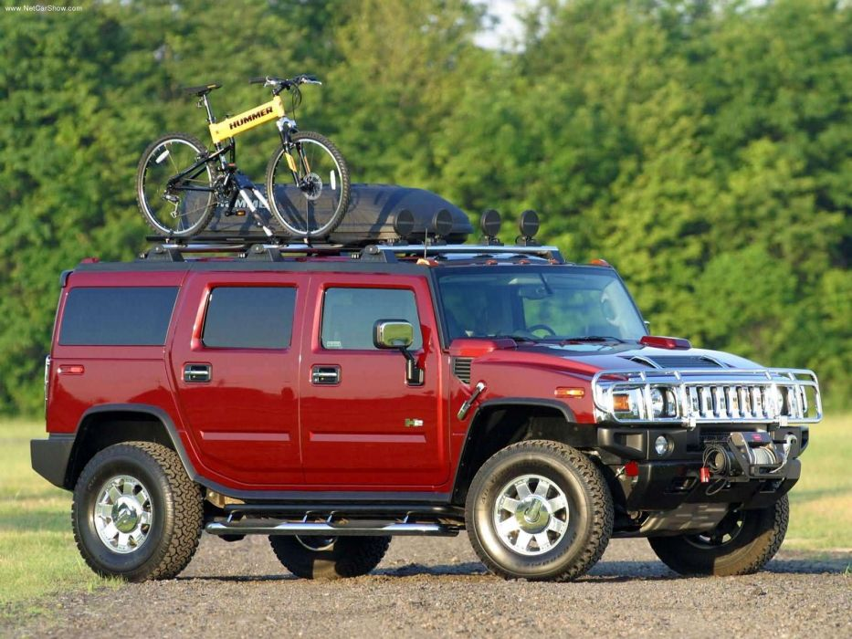 Hummer H2 with GM Accessories 2003 wallpaper