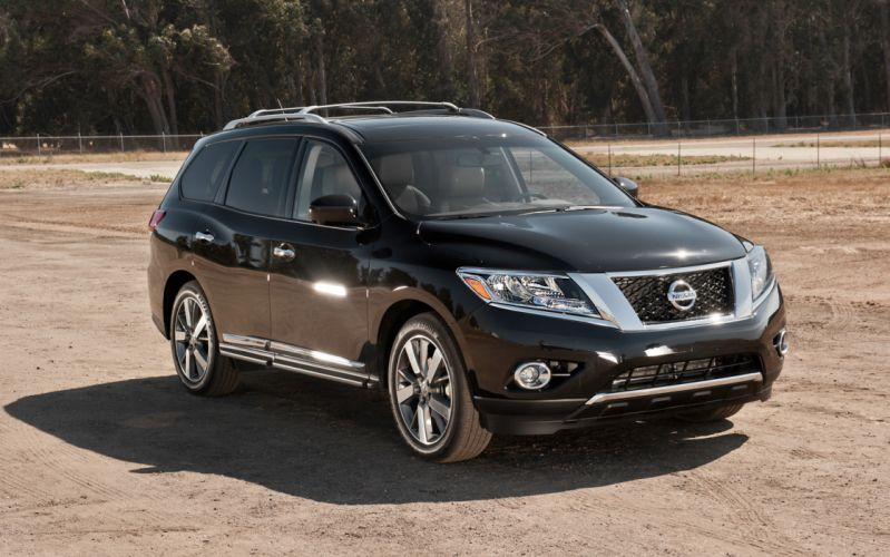 Nissan Pathfinder 4WD Platinum 2013 wallpaper