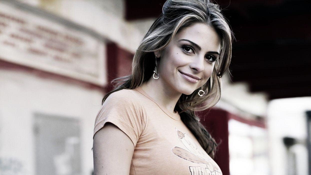brunettes women actress Maria Menounos tv personality wallpaper