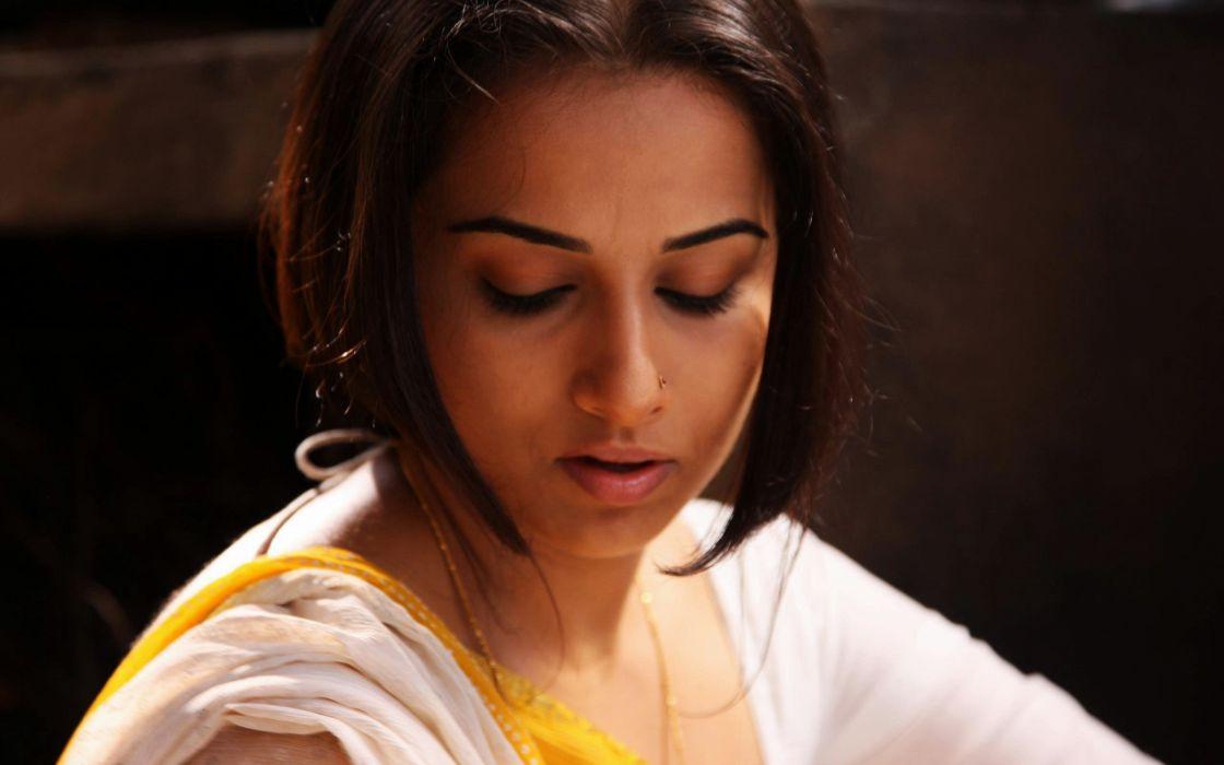 brunettes women actress celebrity Bollywood nose ring Vidya Balan saree looking down movie stills Ishqiya wallpaper