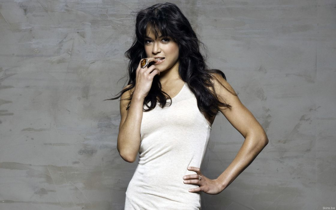 women celebrity Michelle Rodriguez wallpaper