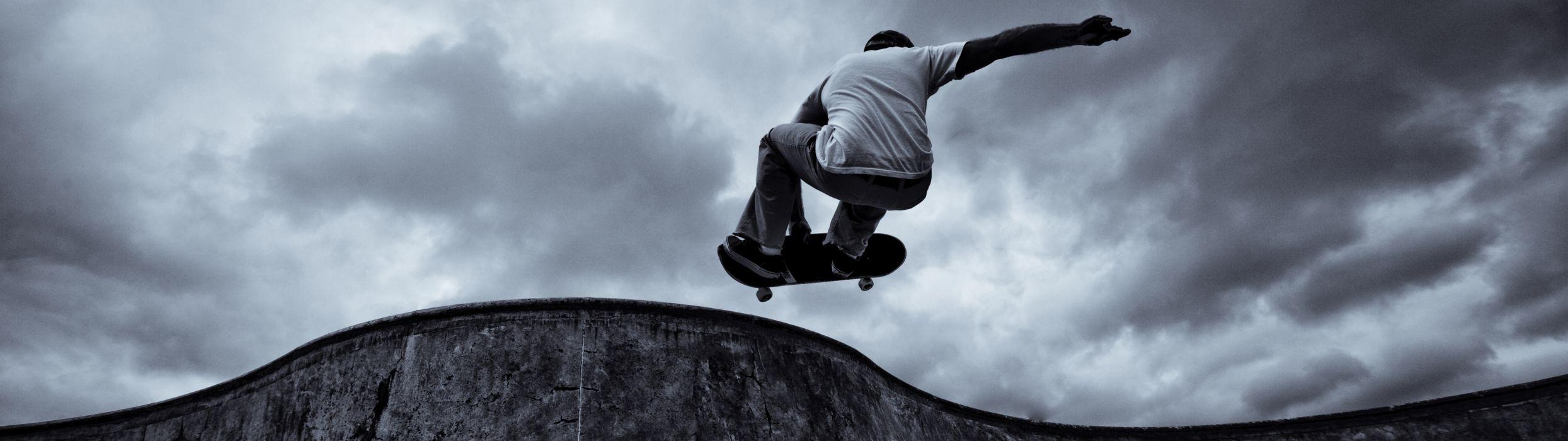 skateboarding monochrome wallpaper
