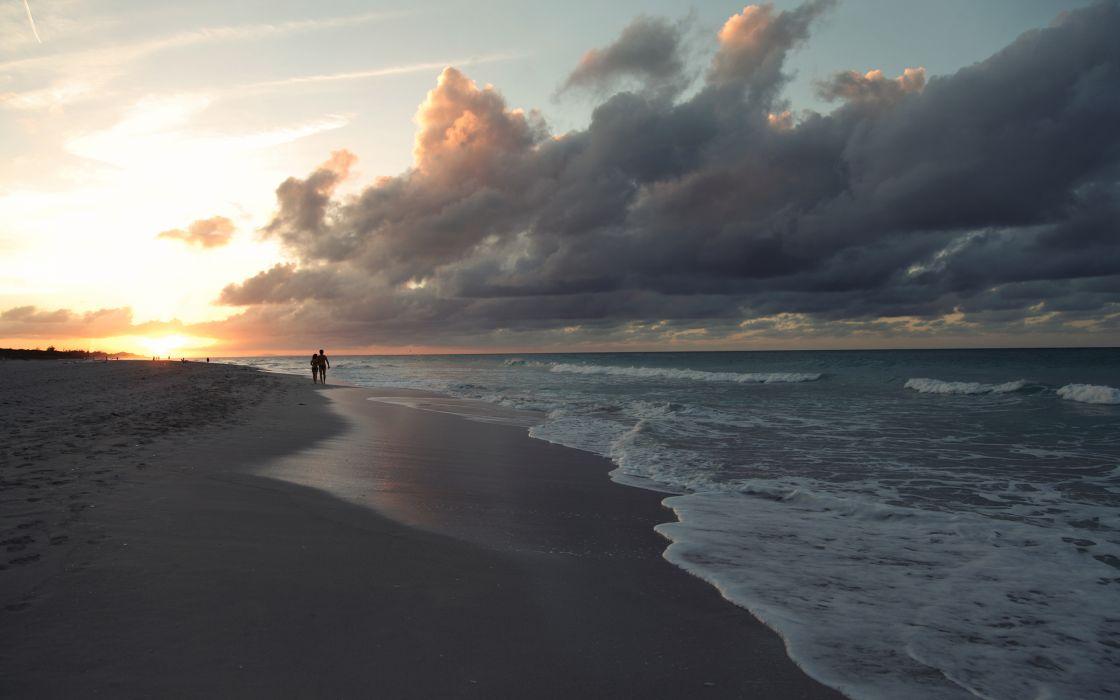 Beach Ocean Clouds Couple Sunset mood wallpaper