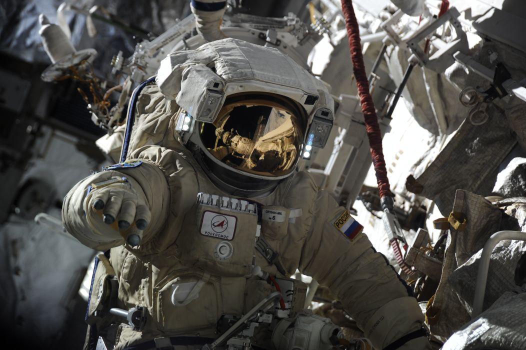 astronaut Roscosmos Russia wallpaper