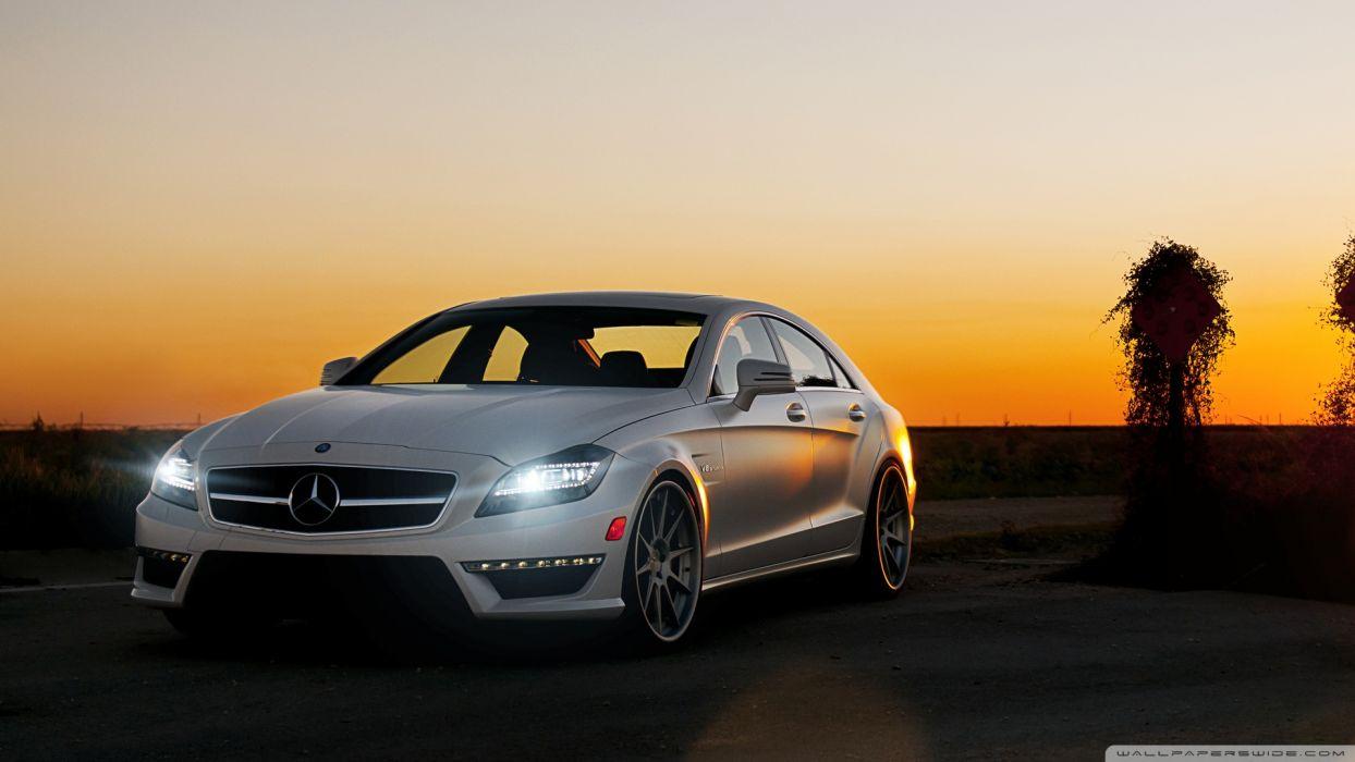 Mercedes-Benz Luxury Car wallpaper