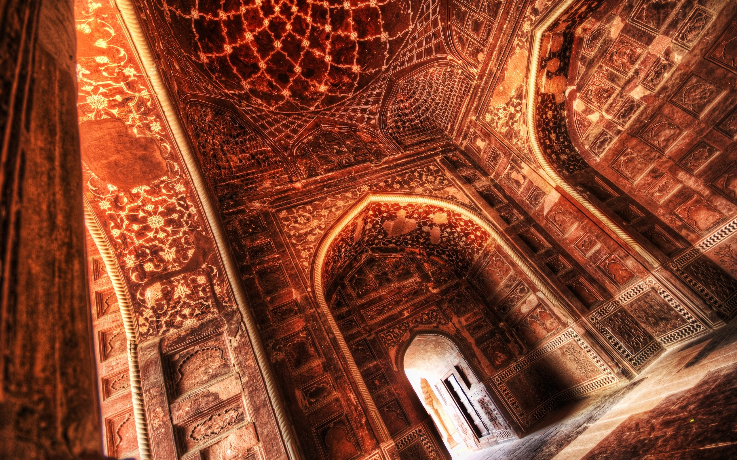 Architecture hall india interior palace ceiling wallpaper for Wallpaper home interiors india