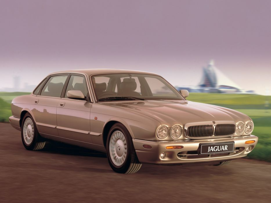 1997-03 Jaguar XJ8 (X300) luxury   g wallpaper