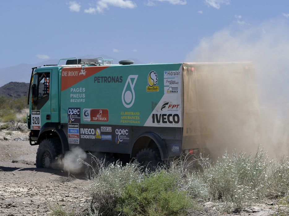 2012 Iveco Trakker Evolution III 4x4 offroad dakar racing race semi tractor r wallpaper