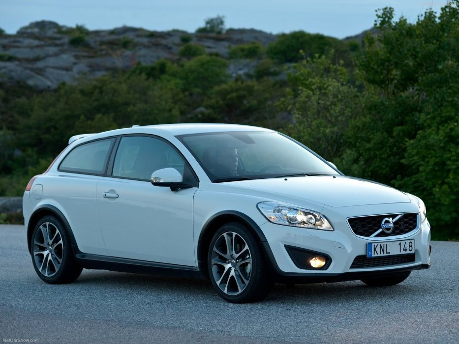 Volvo C30 2010 wallpaper