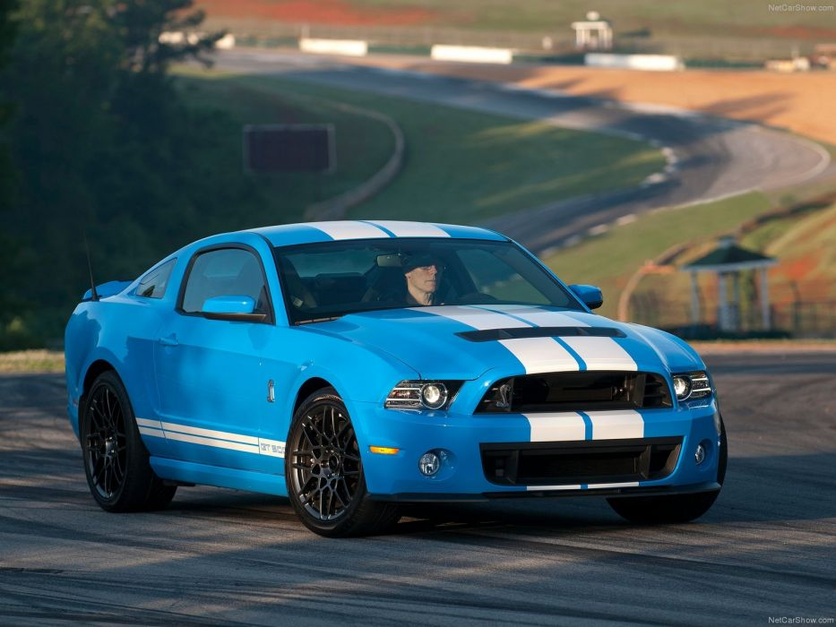 Ford Mustang Shelby GT500 2013 wallpaper
