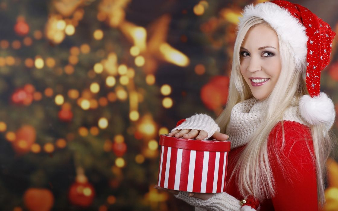 blondes women Santa Claus New Year Christmas tree wallpaper