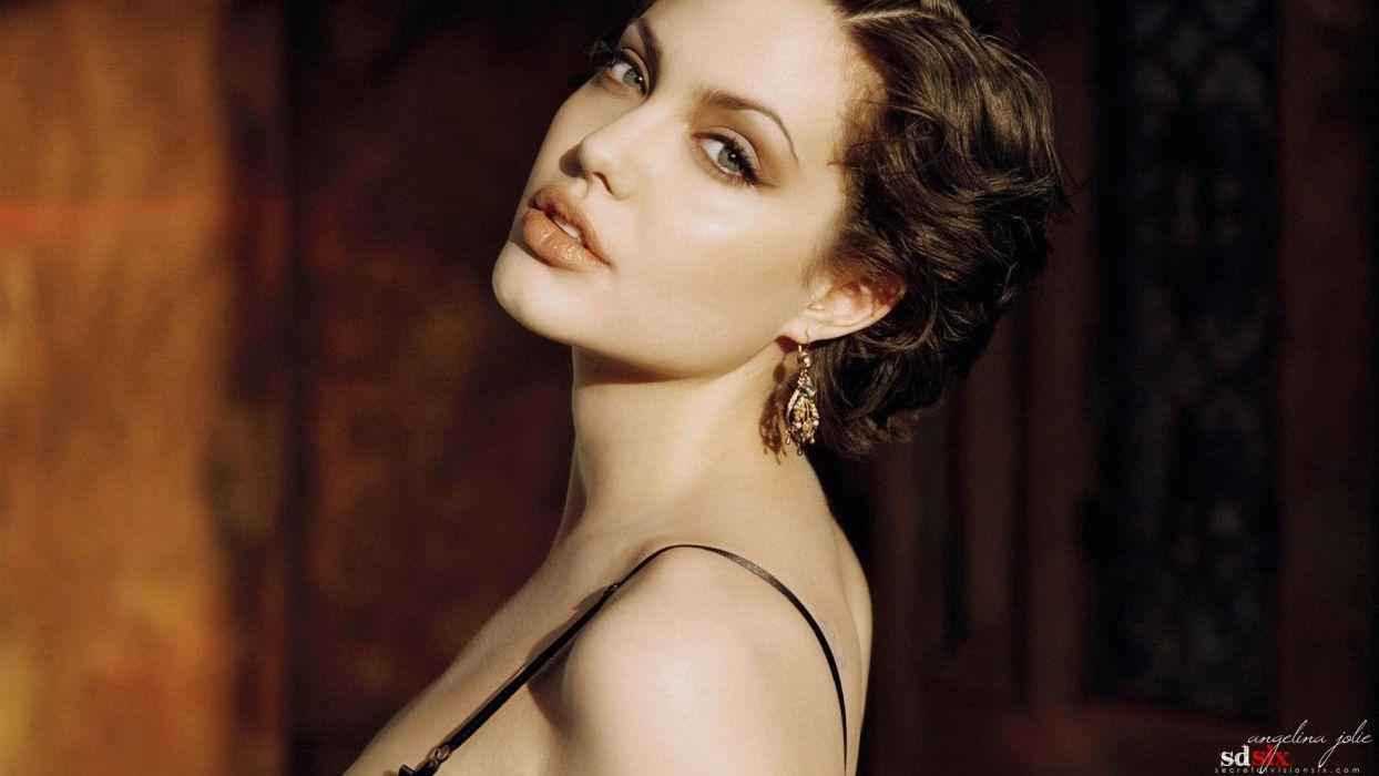 women Angelina Jolie models wallpaper