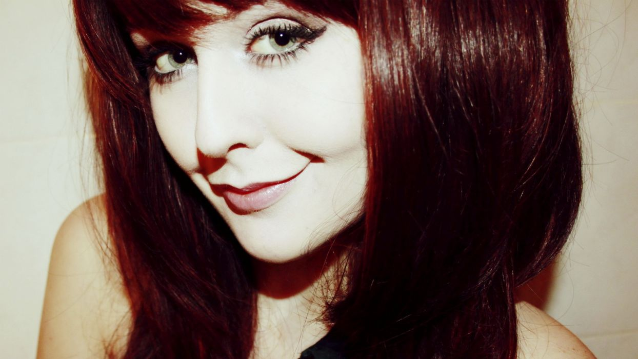women redheads models smiley smiling Danni Daniels  faces wallpaper