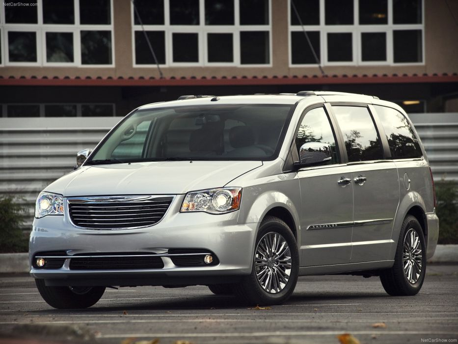 Chrysler Town and Country 2011 wallpaper