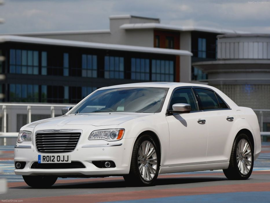 Chrysler 300C 2012 wallpaper