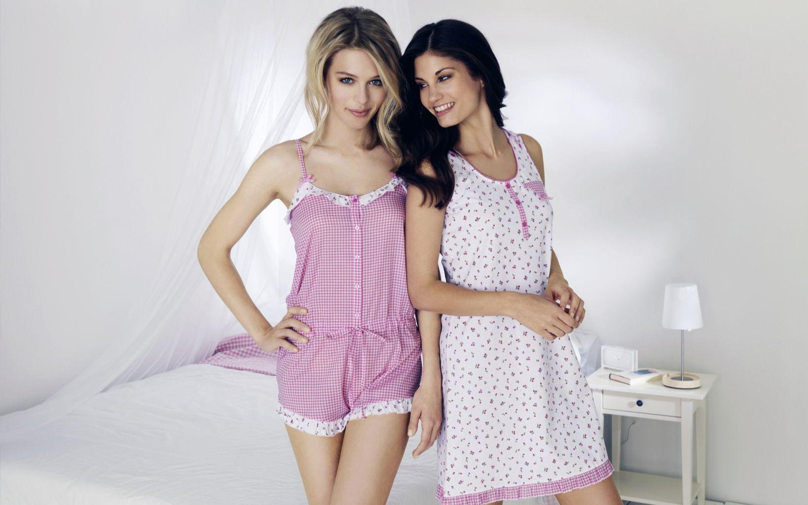 Sexy pajama party