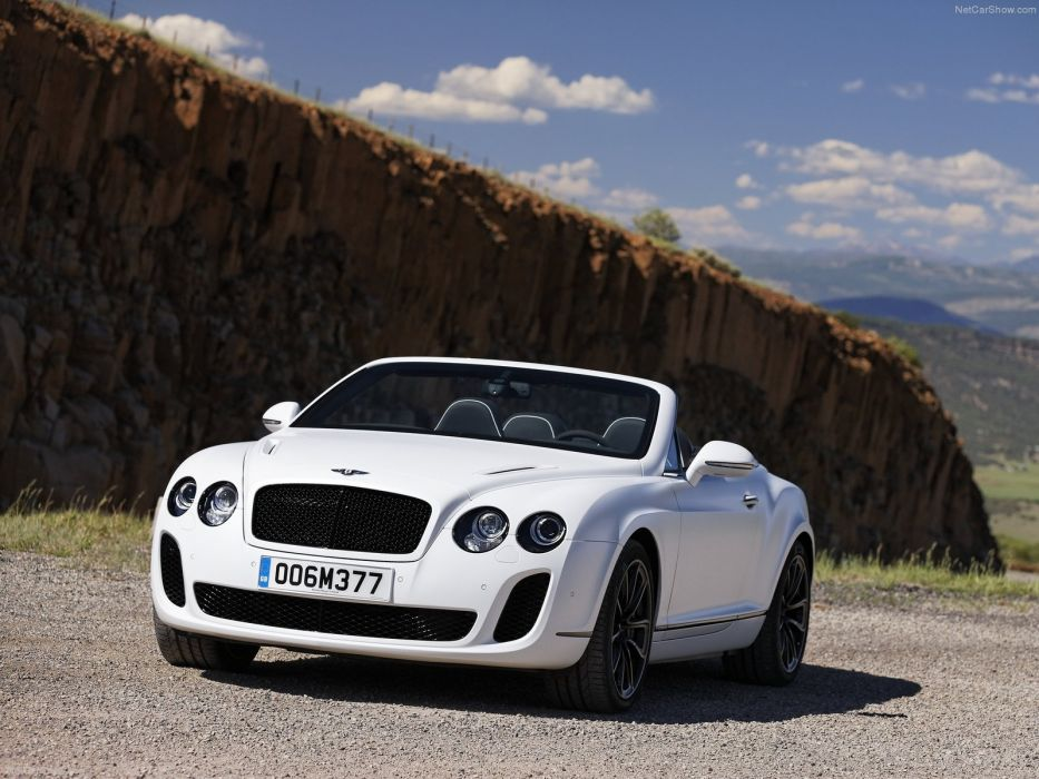Bentley Continental Supersports Convertible 2011 wallpaper
