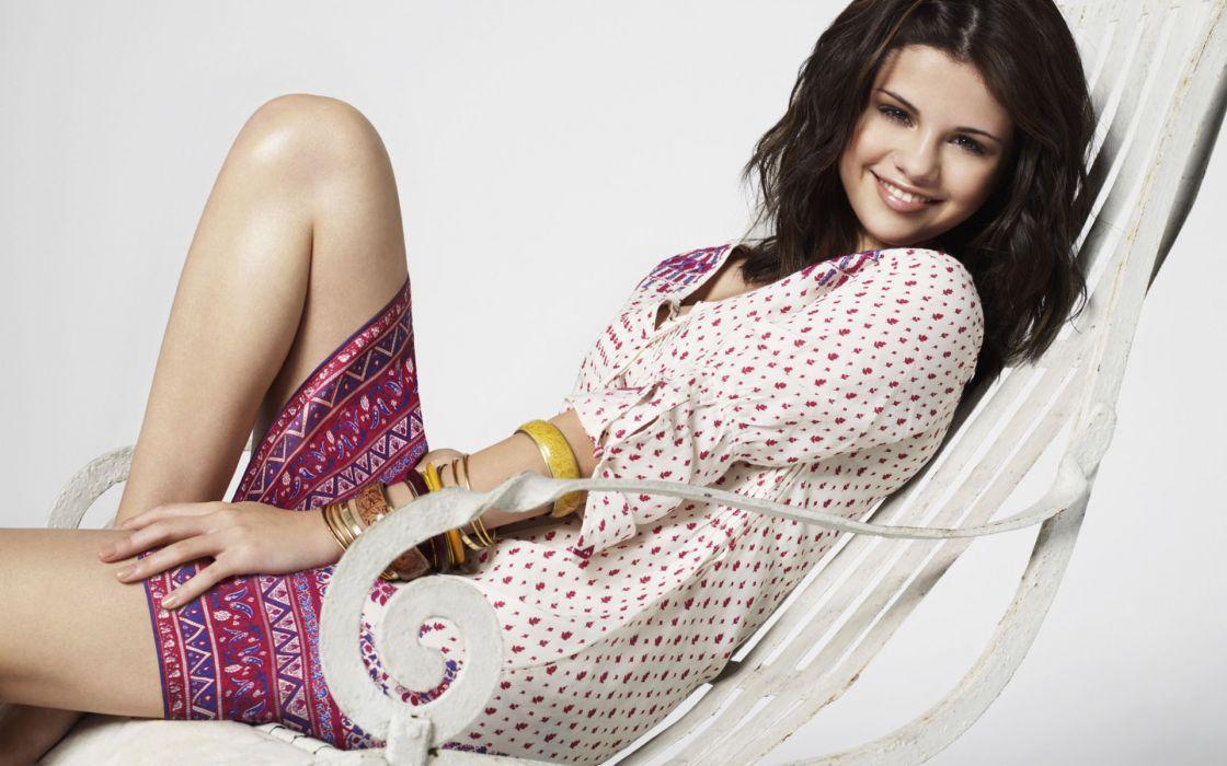 women Selena Gomez wallpaper