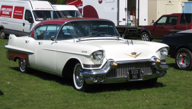 Cadillac Sedan de Ville 1953_JPG wallpaper