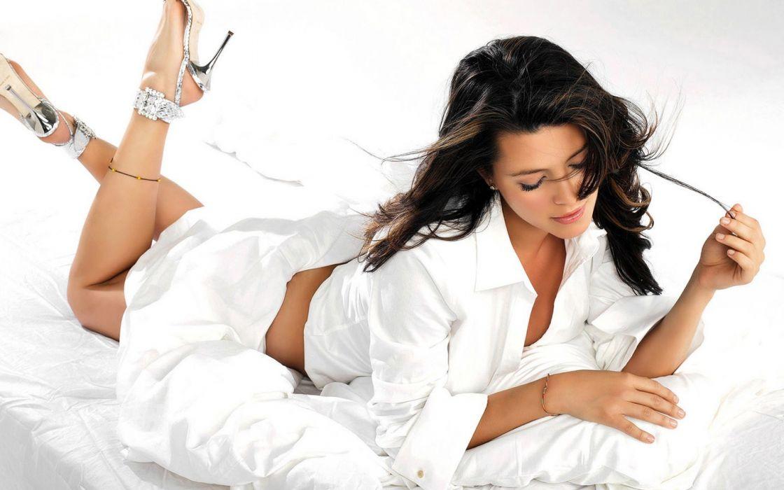 women  fashion photography white background wallpaper