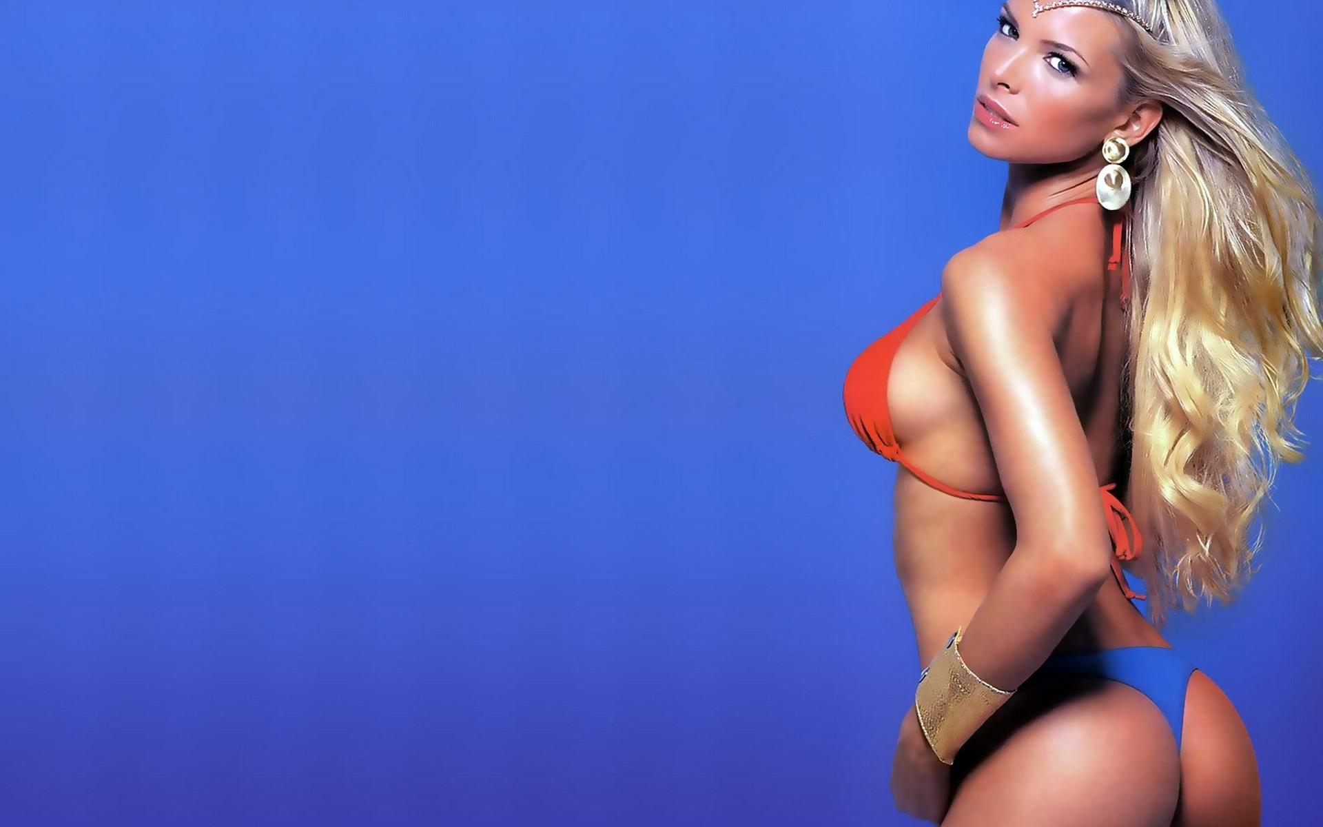 Красивые голые женские фигуры