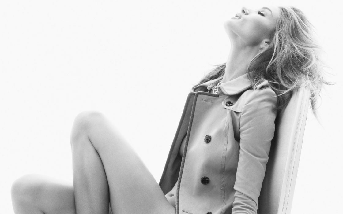 grayscale Rosie Huntington-Whiteley supermodels wallpaper