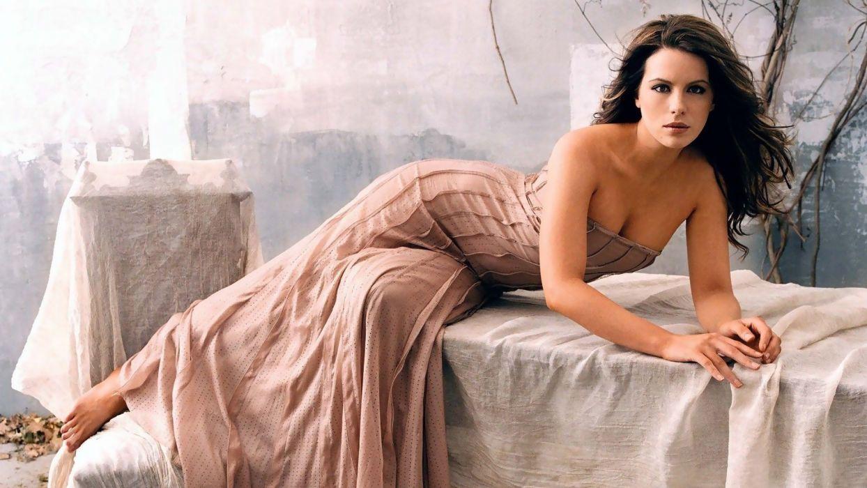 brunettes women actress Kate Beckinsale lying down wallpaper