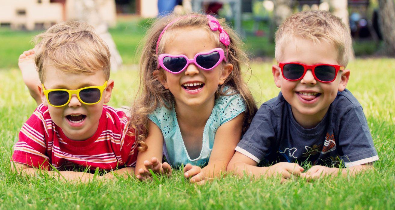girl boys humor joy sunglasses lawn mood wallpaper