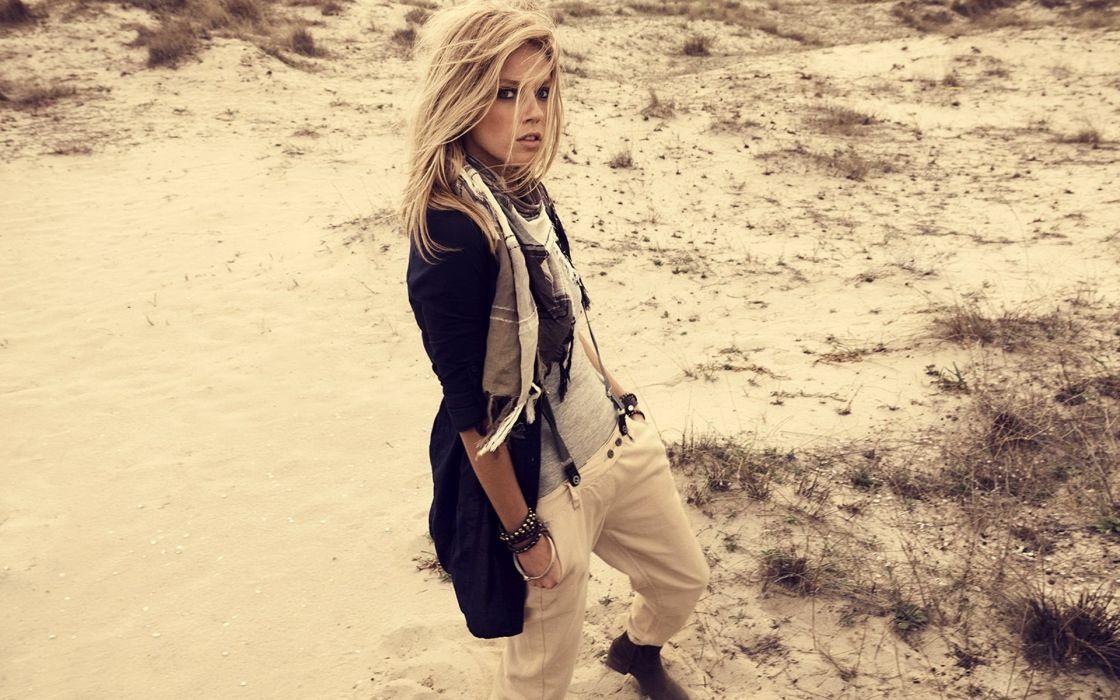 blondes women sand models outdoors Masha Novoselova wallpaper