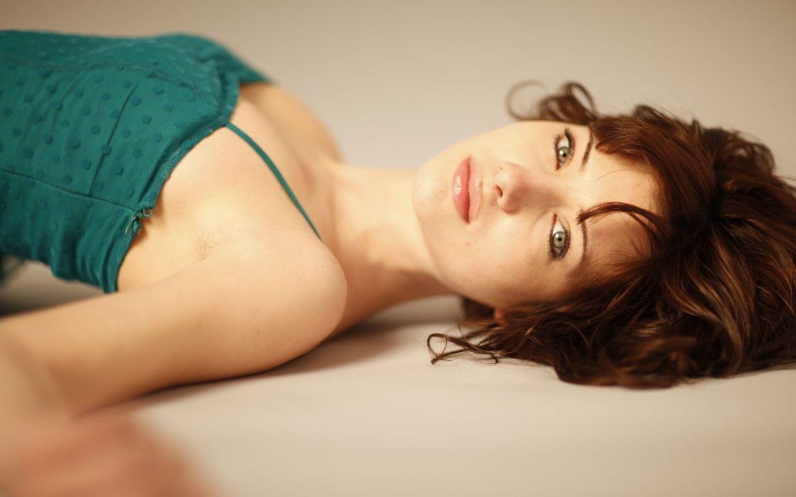 brunettes women Susan Coffey models lying down wallpaper