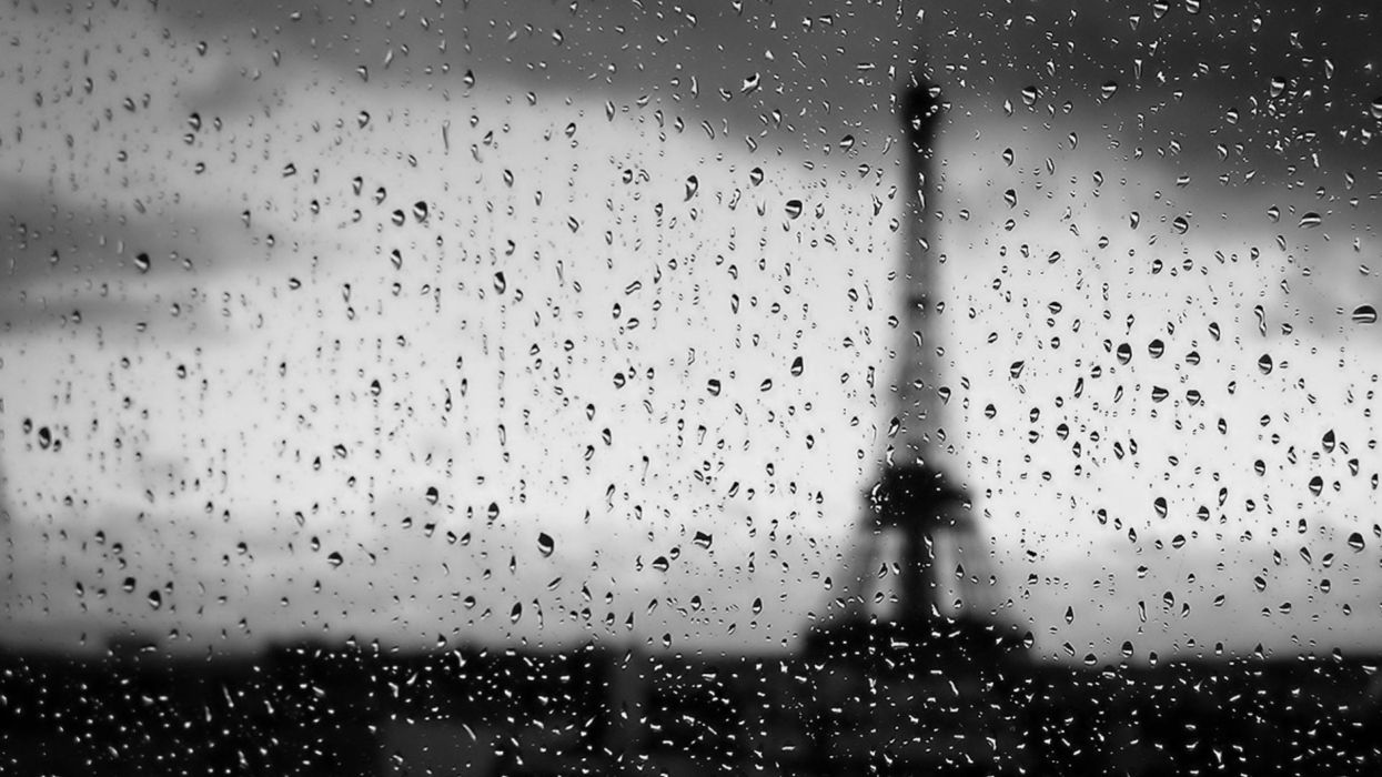 Eiffel Tower water black and white rain drops wallpaper