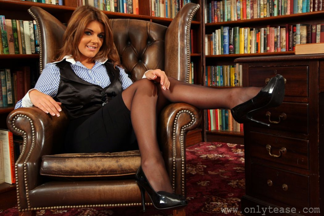 Kelly McGregor Brown haired Armchair Library Legs Girls wallpaper
