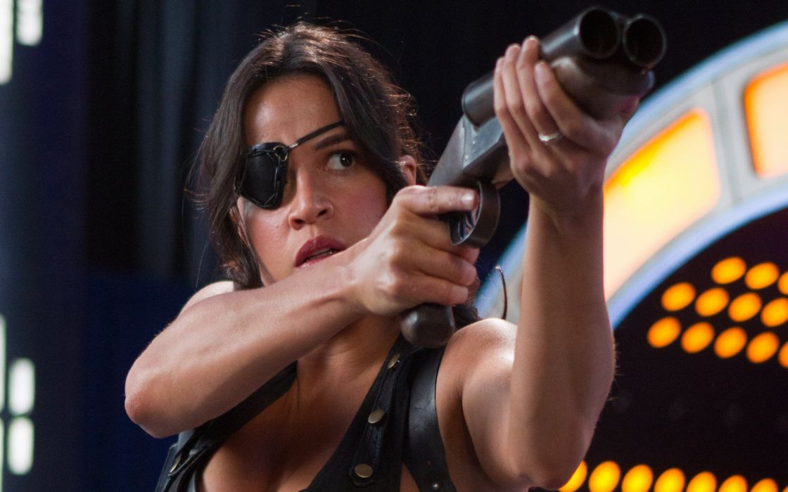 MACHETE KILLS action comedy crime sexy babe weapon gun pistol    u wallpaper