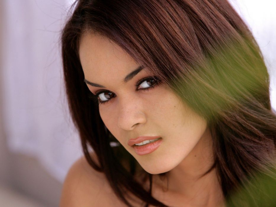 brunettes women close-up lips brown eyes Daisy Marie faces wallpaper