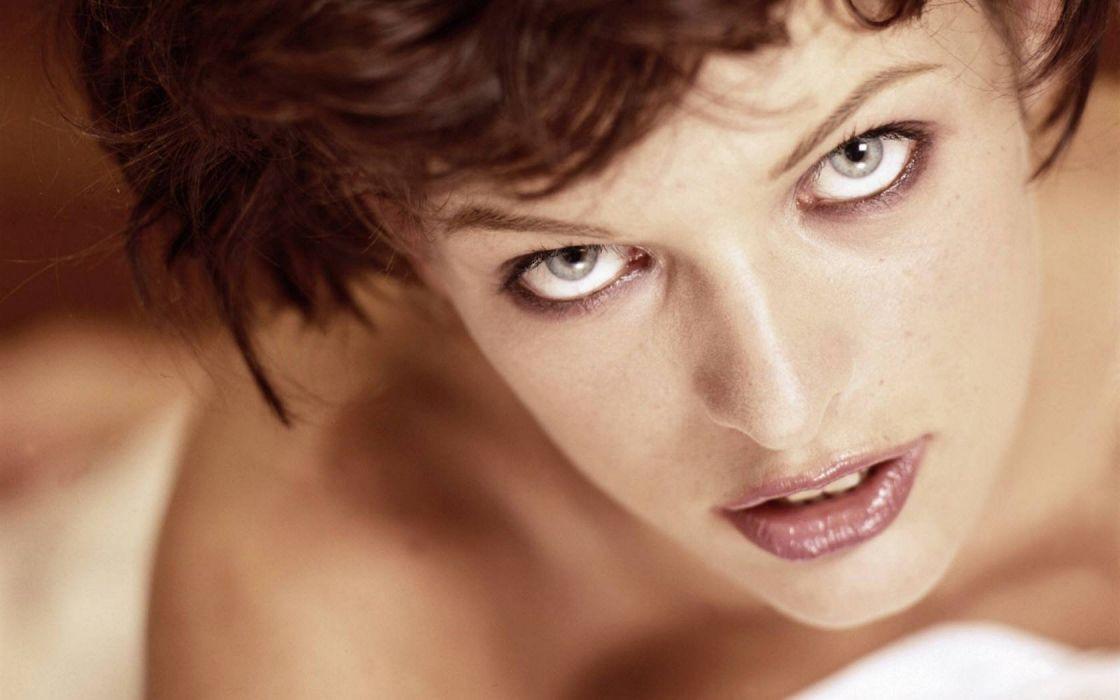 women eyes actress Milla Jovovich faces wallpaper