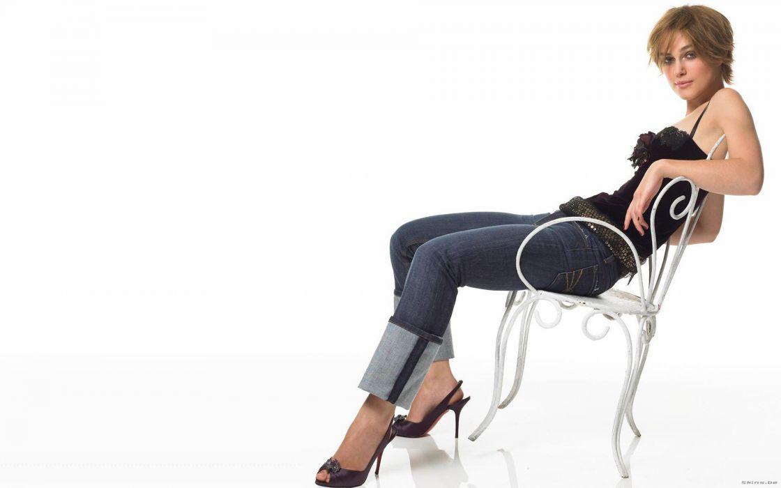 women jeans Keira Knightley high heels wallpaper