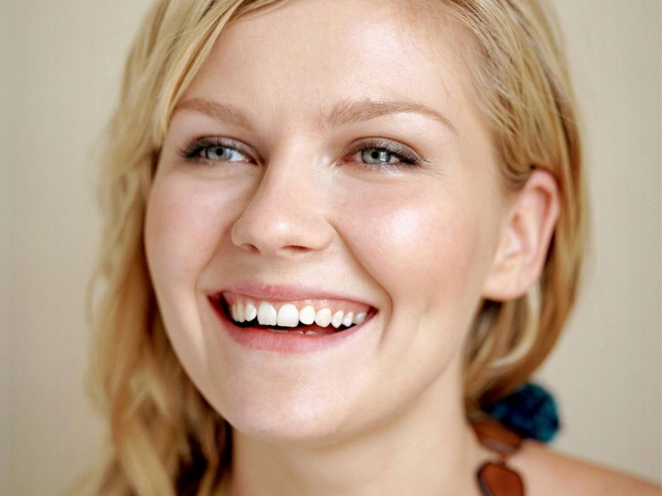 blondes women actress Kirsten Dunst smiling gray eyes wallpaper