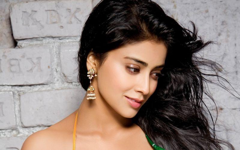 shreya sharan bollywood celebrity indian blonde women model hot brunettes ultrahd 4k wallpaper wallpaper