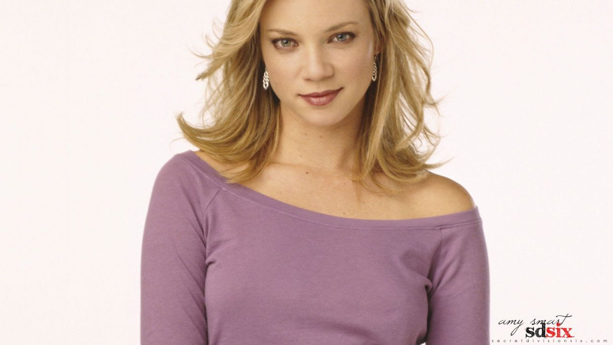 blondes women models Amy Smart faces white background wallpaper