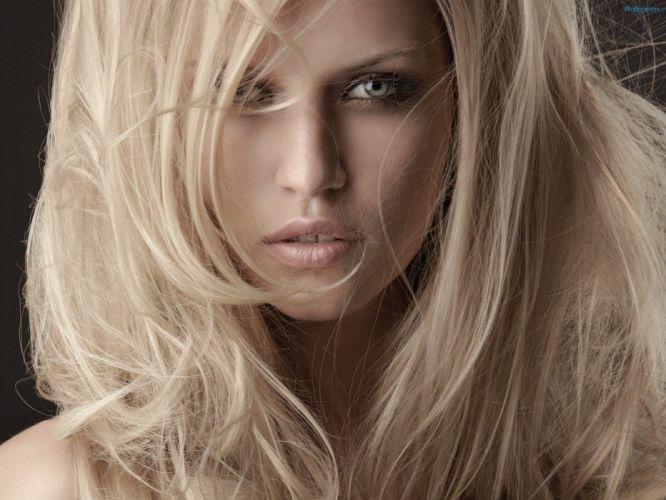 blondes women eyes lips TagNotAllowedTooSubjective wallpaper