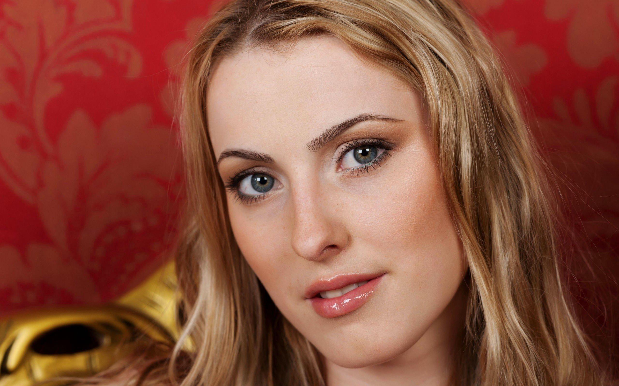 Blondes women blue eyes models Femjoy magazine faces ...