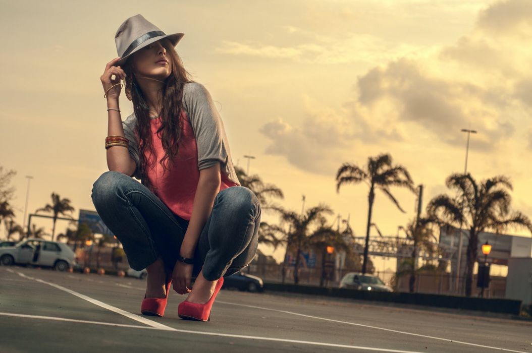 high heels hat jeans woman hair squat wallpaper