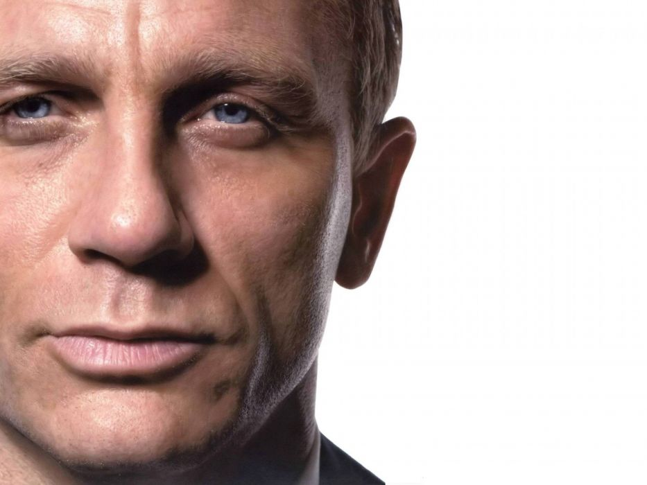 James Bond Daniel Craig faces white background wallpaper