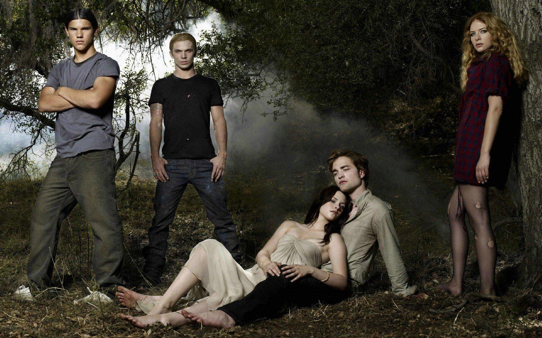 Kristen Stewart Twilight Robert Pattinson Taylor Lautner Edward Cullen ...