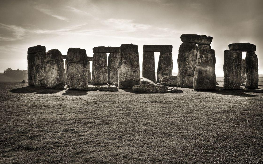 England Stonehenge monochrome wallpaper